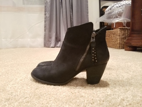 Black ankle boots: Steve Madden