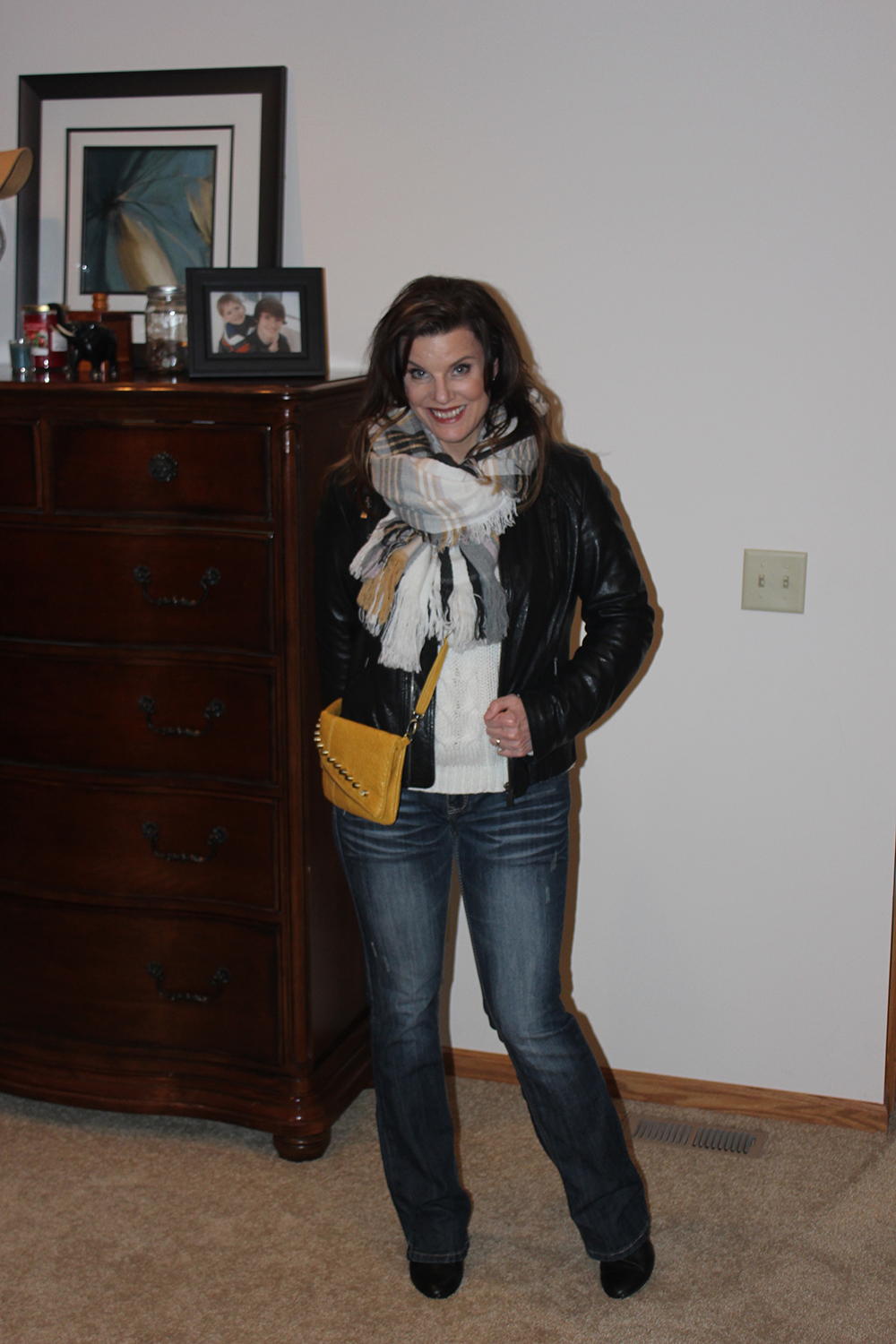 jen Schmidt, winter outfit, yellow bag, jeans, black leather jacket