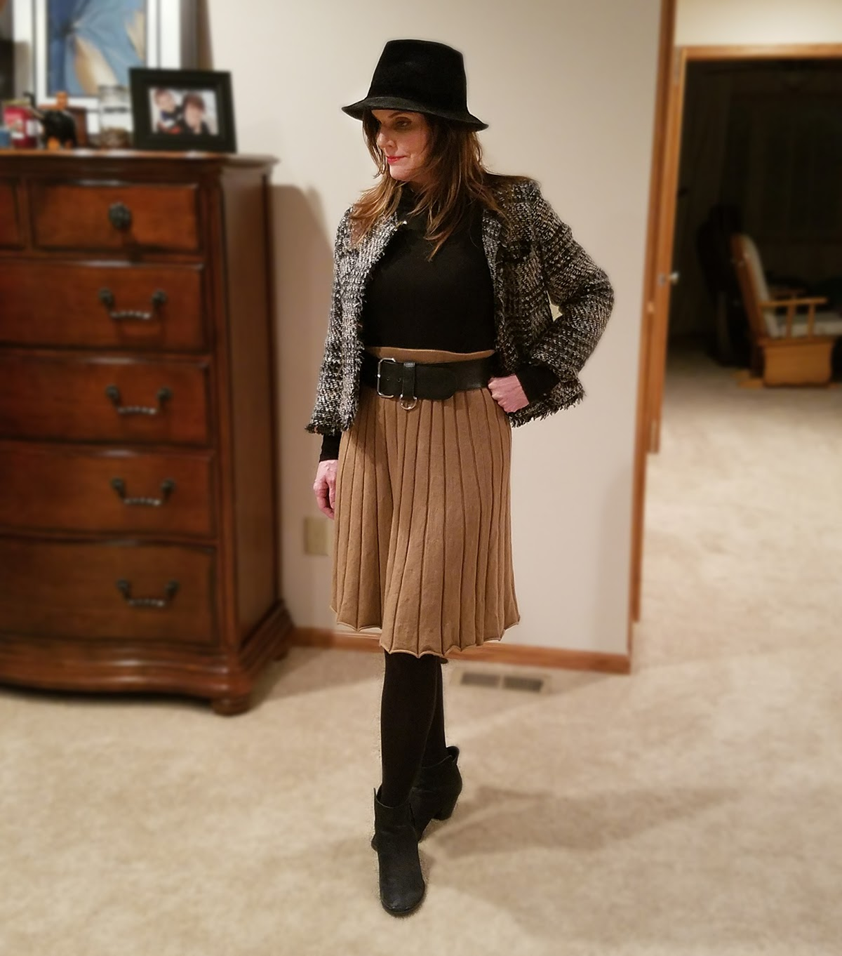 winter outfit, tan pleated skirt, black boots,